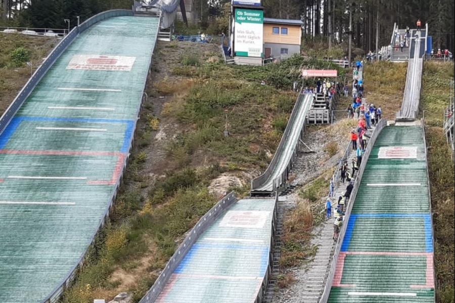 Beim Schüler-Bayerncup der Skispringer und Kombinierer